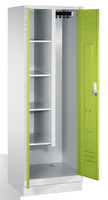 Raumpflegeschrank 8120-02 auf Sockel, 2 Abteile, HxBxT 1800x810x500mm | günstig bestellen bei assistYourwork