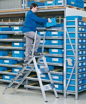 Sicherheitstreppe 41685 klappbar, 5 Stufen, mit Bügel, Modell Plazatec P | günstig bestellen bei assistYourwork
