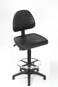 Arbeitsstuhl mit großem Sitz und Rücken aus PU schwarz und Fußring | günstig bestellen bei assistYourwork