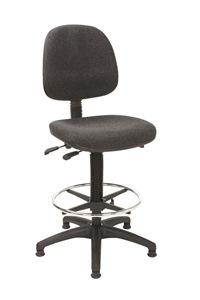 Arbeitsstuhl mit großem Sitz und Rücken mit Polster anthrazit und Fußring | günstig bestellen bei assistYourwork