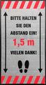 -Abstand halten- Hinweis-Bodenmatte, Hochformat, Grau mit schwarzer Schrift, BxH 85x150cm | günstig bestellen bei assistYourwork