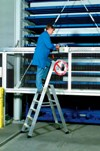 Stufen-Stehleiter 40333, 3 Stufen, einseitig begehbar, Modell Seventec S | günstig bestellen bei assistYourwork