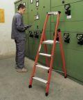 GFK-Mischbau-Stufen-Stehleiter 40431, 3 Stufen, Modell EFAmix S, einseitig begehbar | günstig bestellen bei assistYourwork