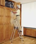 Z200 genietete Stufen-Stehleiter 44143, 3 Stufen, einseitig begehbar | günstig bestellen bei assistYourwork