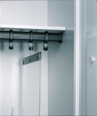 PVC - Trennwand für Garderobenschränke zum Einhängen in Doppel-Kleiderhaken | günstig bestellen bei assistYourwork